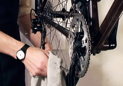 How to Clean and Lubricate a Chain